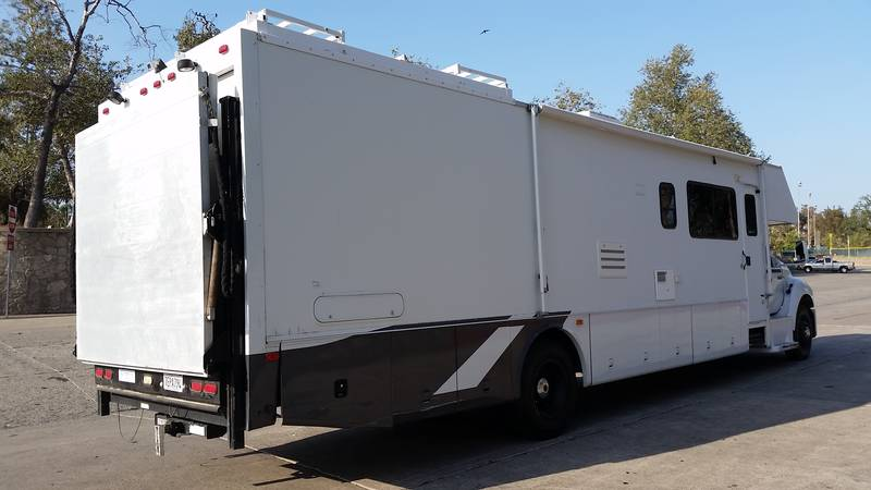 2004 Four Winds Fun Mover 39C