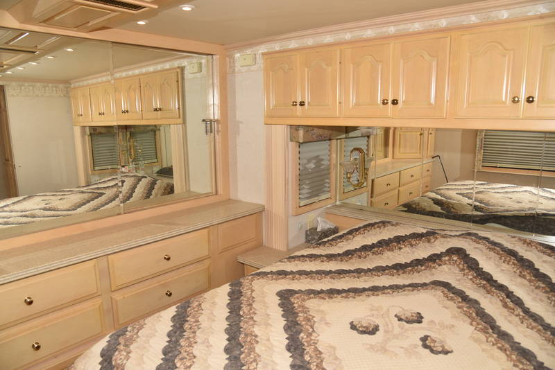 2000 Newmar London Aire 4557