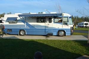 1992 Country Coach Magna M300
