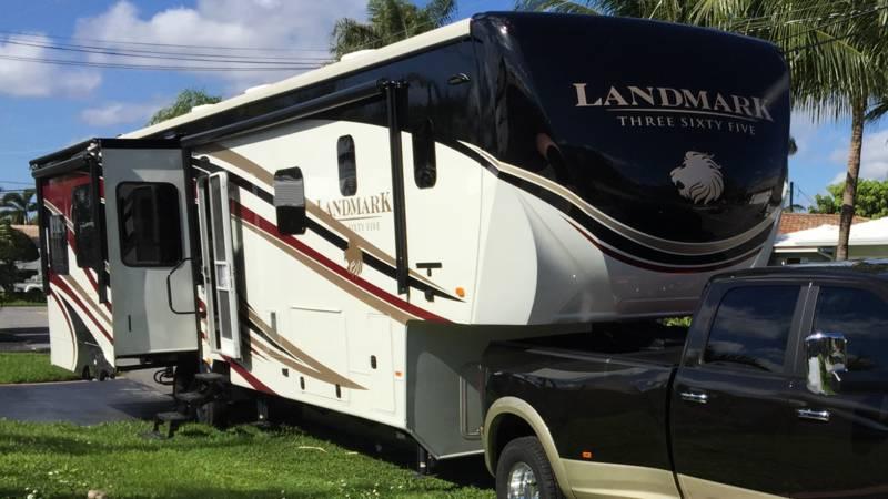 2015 Heartland Landmark 365 LM NEWPORT