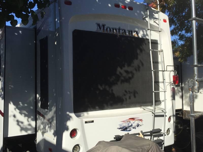 2012 Keystone Montana Hickory 3852RL