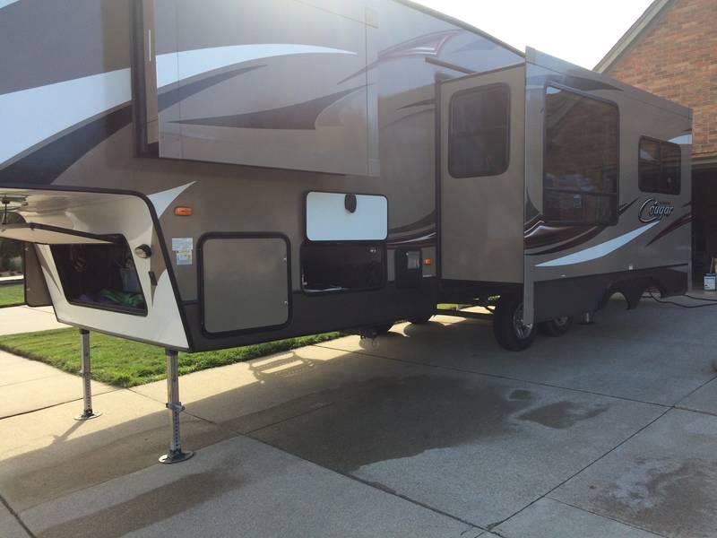 2015 Keystone Cougar X-Lite 28RDB
