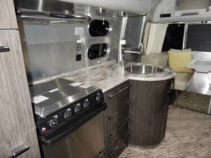 2014 Airstream International 27FB