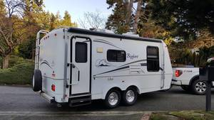 2005 Bigfoot RV  25B21FB