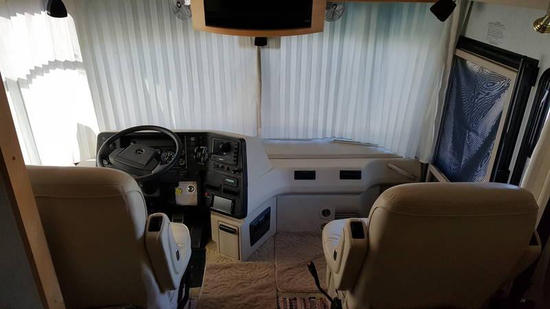 2003 Winnebago Itasca  IKP39WD Horizon