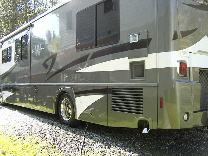 2008 Winnebago Destination WPM39W