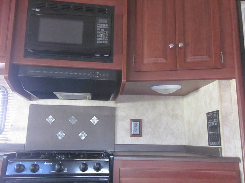 2012 Winnebago Chalet WF231CR