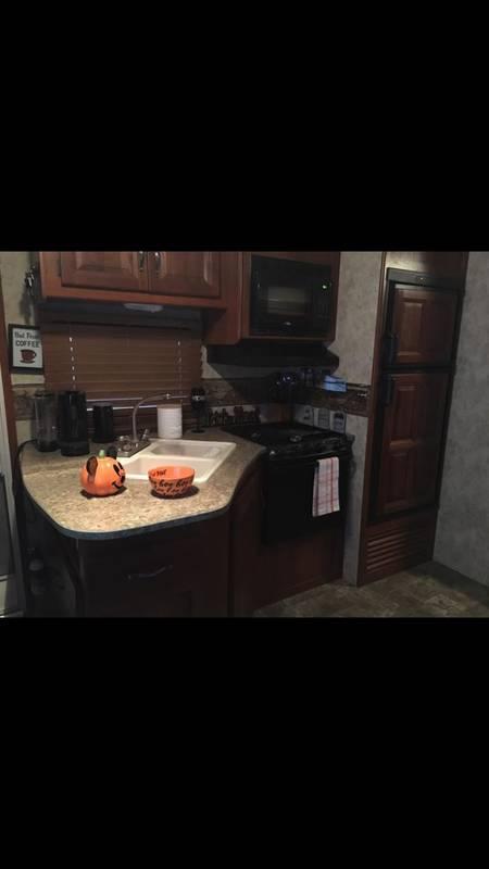 2012 Keystone Cougar Half-Ton 31SQBWE
