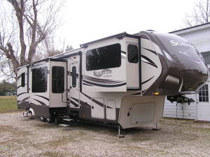 Used Rvs For Sale In Texas By Owner >> 5th Wheels New Used Rvs For Sale On Rvt Com